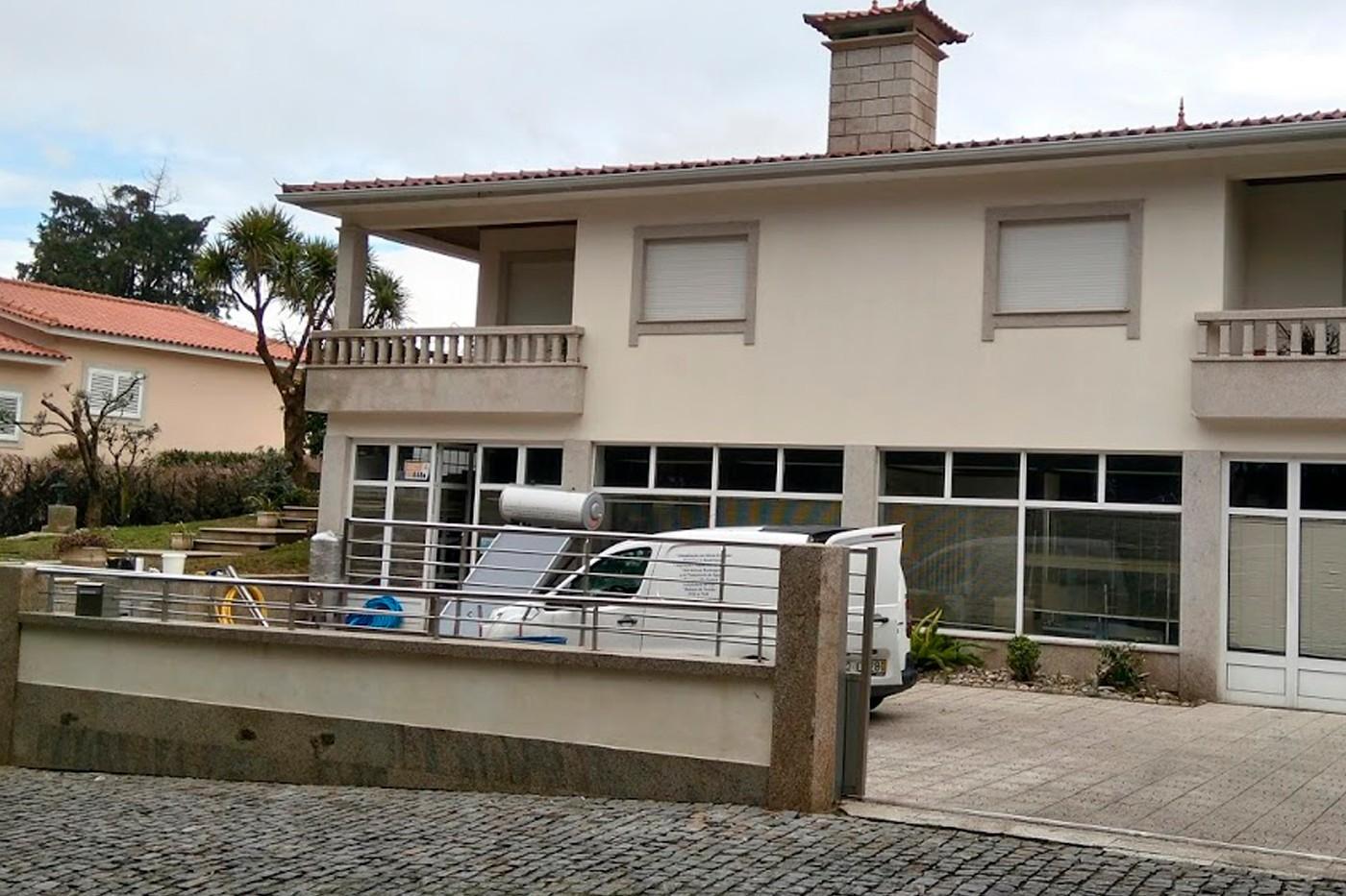 AMJ & Costas, Lda - Instalações Eléctricas e Canalizações