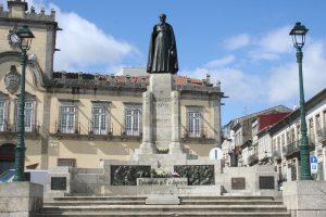 Estátua Dom António Barroso